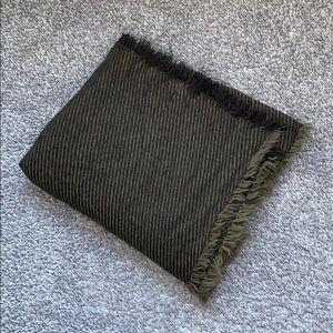 Zara Striped Scarf 🎄
